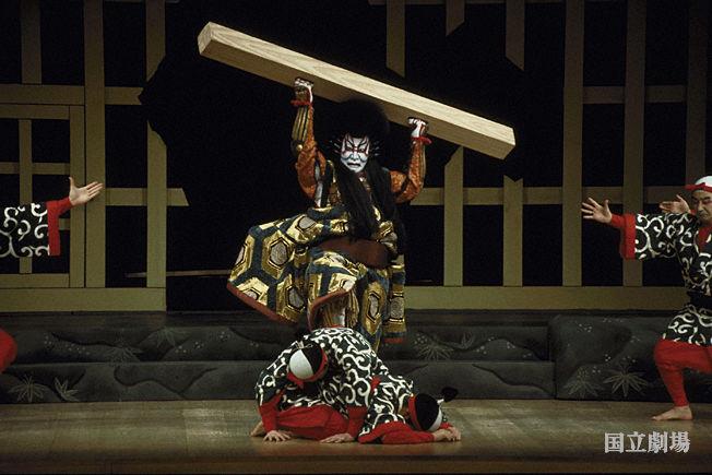 http://www2.ntj.jac.go.jp/dglib/uploads/kabuki_dic/1060/pict_060.jpg